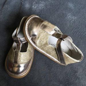 Other - Wee Squeak Gold Glitter Mary Jane Shoes 10